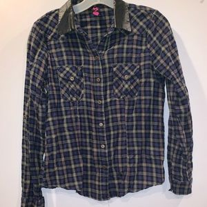 Tops - *Flash Sale* Plaid shirt with faux leather